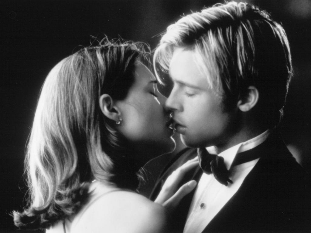 Meet Joe Black Brad Pitt Claire Forlani Black White Kiss And Brad Pitt